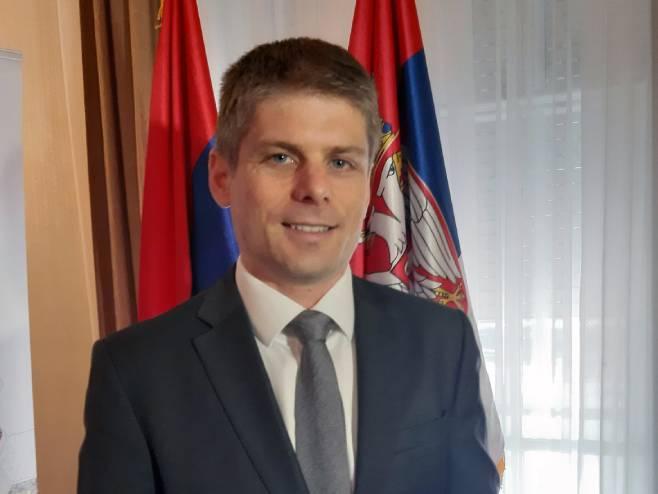 Гујон: Важно очување културног идентитета Срба