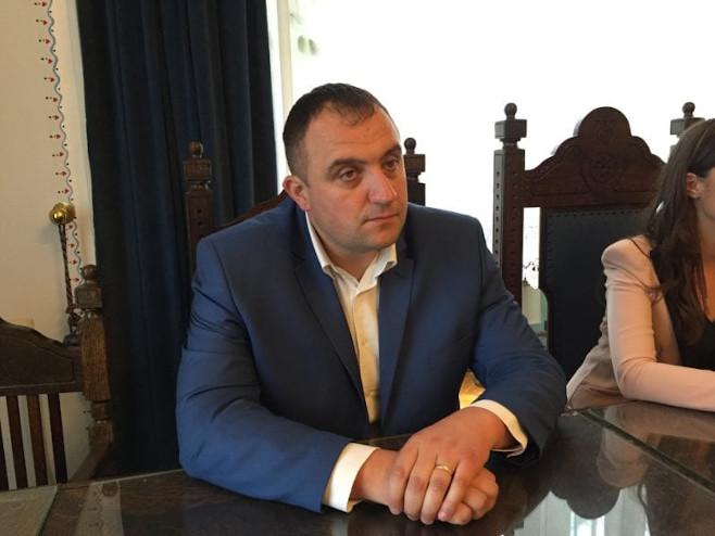 Вујадиновић: Србима у Словенији омогућити статус националне мањине